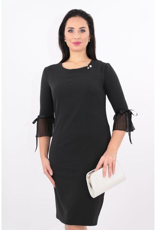 Rochie neagra cu brosa tip perla
