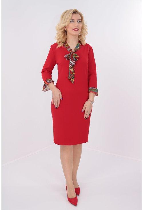Rochie rosie cu esarfa multicolora