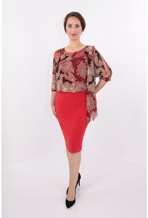 Rochie rosie cu esarfa