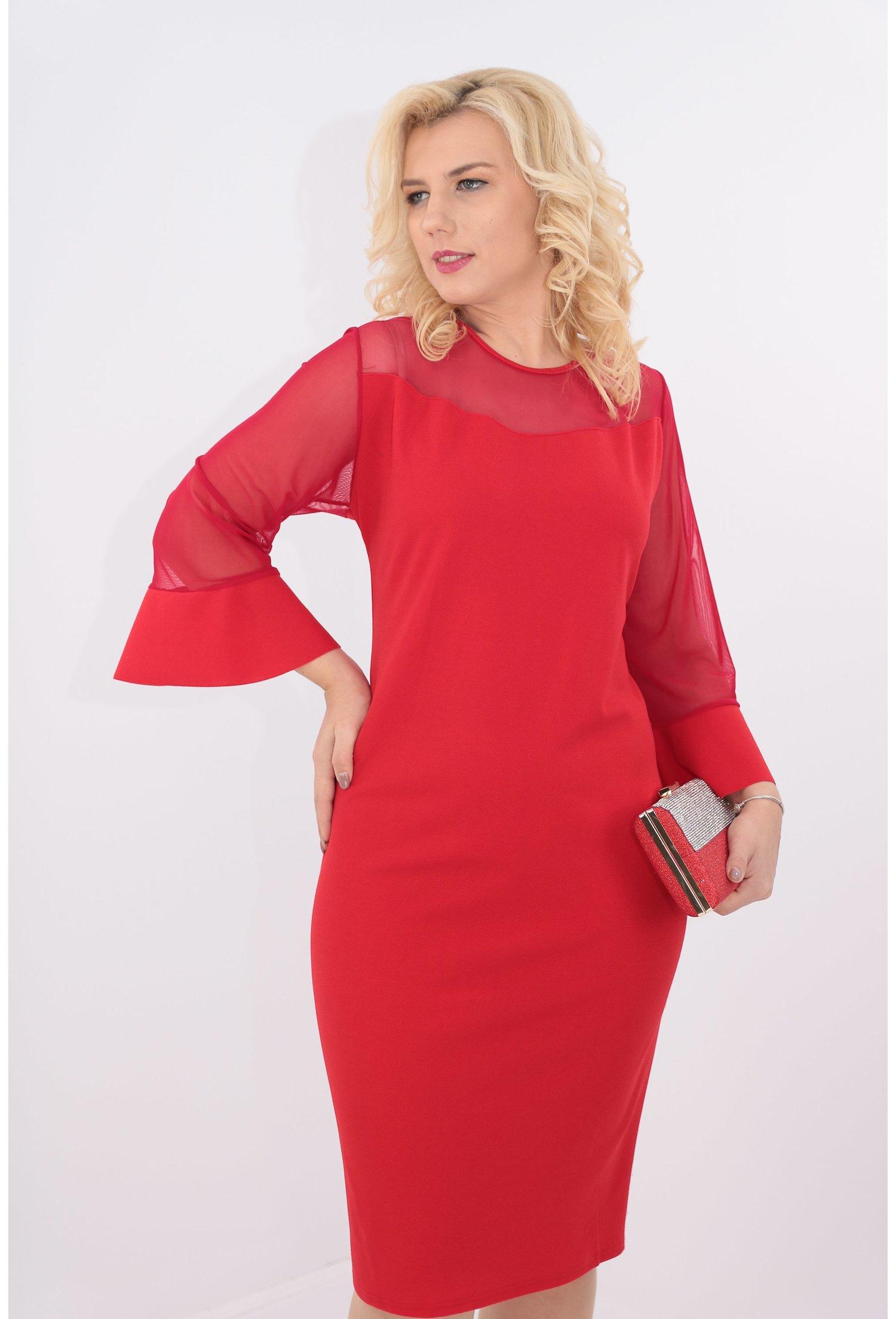Rochie rosie cu tull si volane