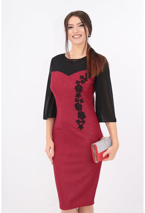Rochie rosie cu voal negru