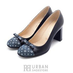 Pantofi eleganti dama din piele naturala - 769 negru buline